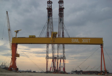 Goliath-Crane-LM300MT-x-150M-Jurong-Shipyard-Panel-Photo